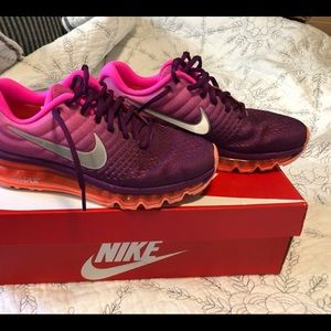 Nike Air Max running 7.5 women's